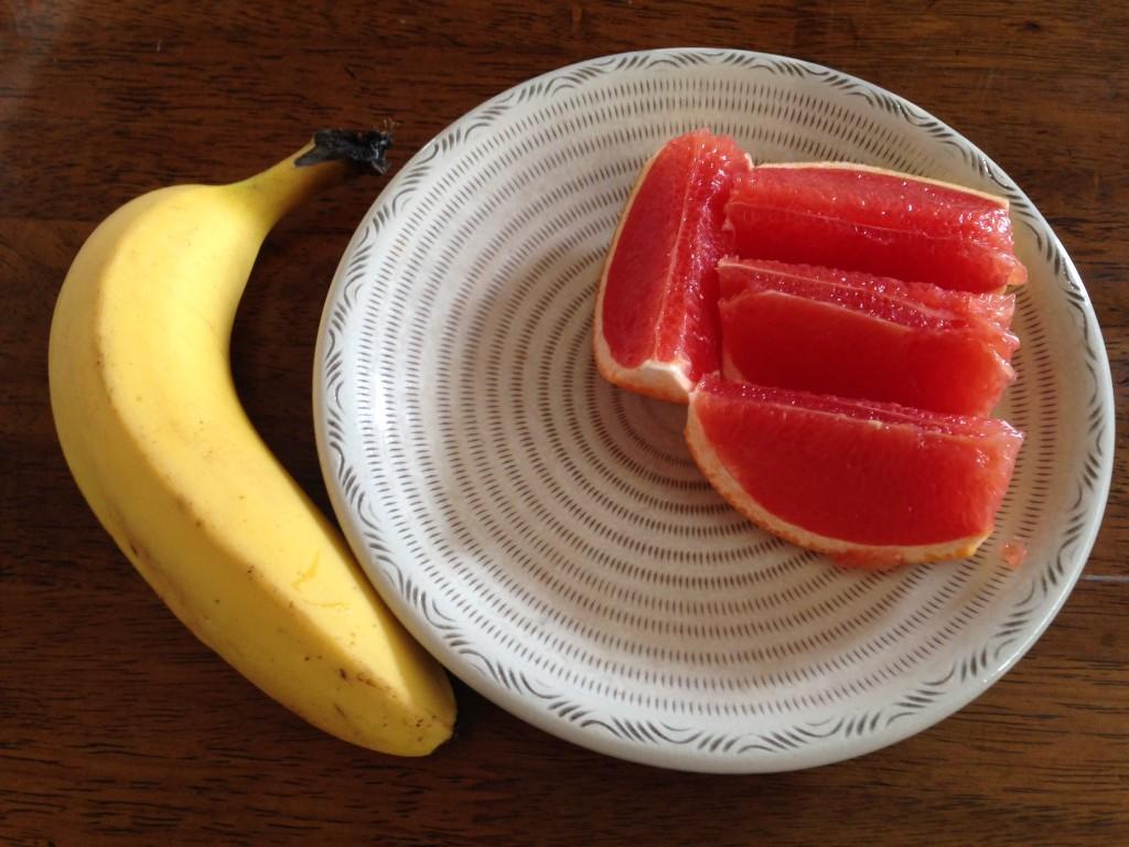 グレープフルーツとバナナ