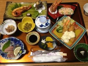 『丸新荘』の豪華伊勢海老料理