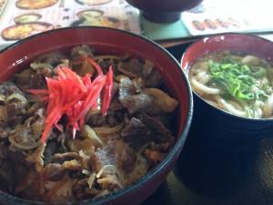 山椒茶屋の牛丼セット