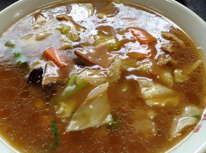 中国料理龍苑の五目ラーメン