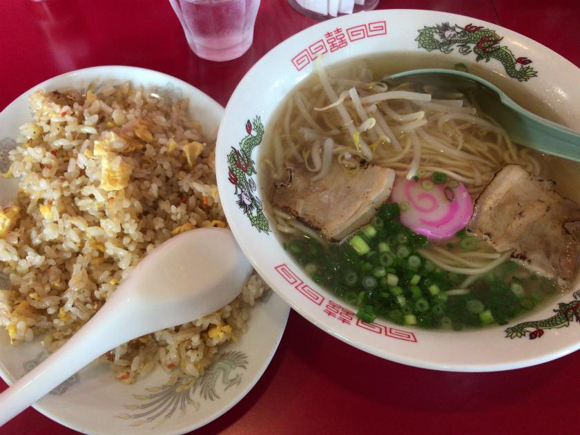 中華料理 凛凛の神戸ラーメンと炒飯
