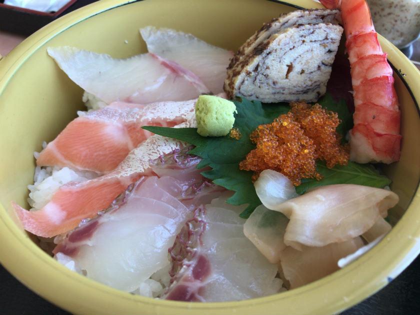 ぎょれん丸の海鮮丼