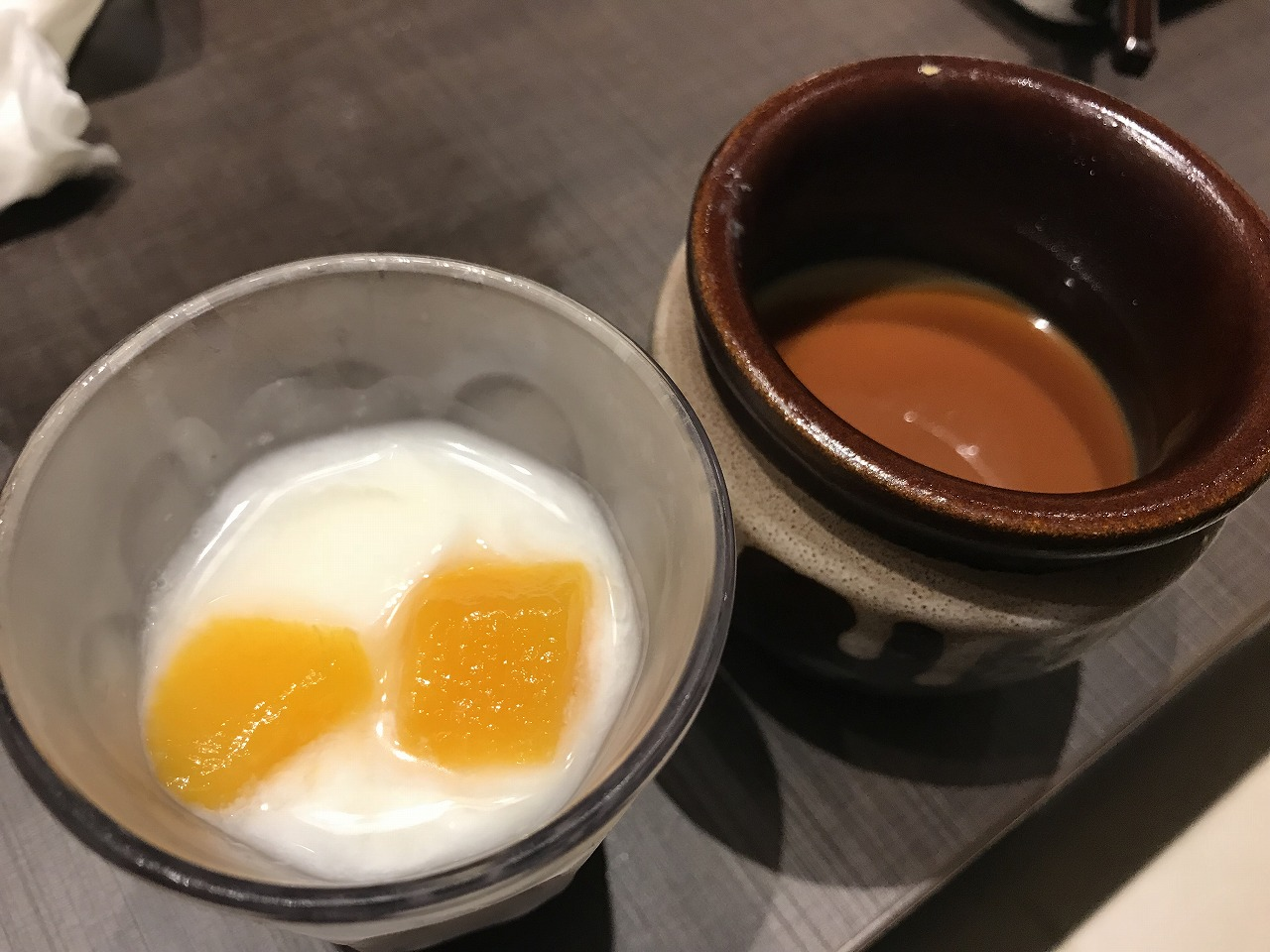 ゆず庵宮崎柳丸店の杏仁豆腐とプリン