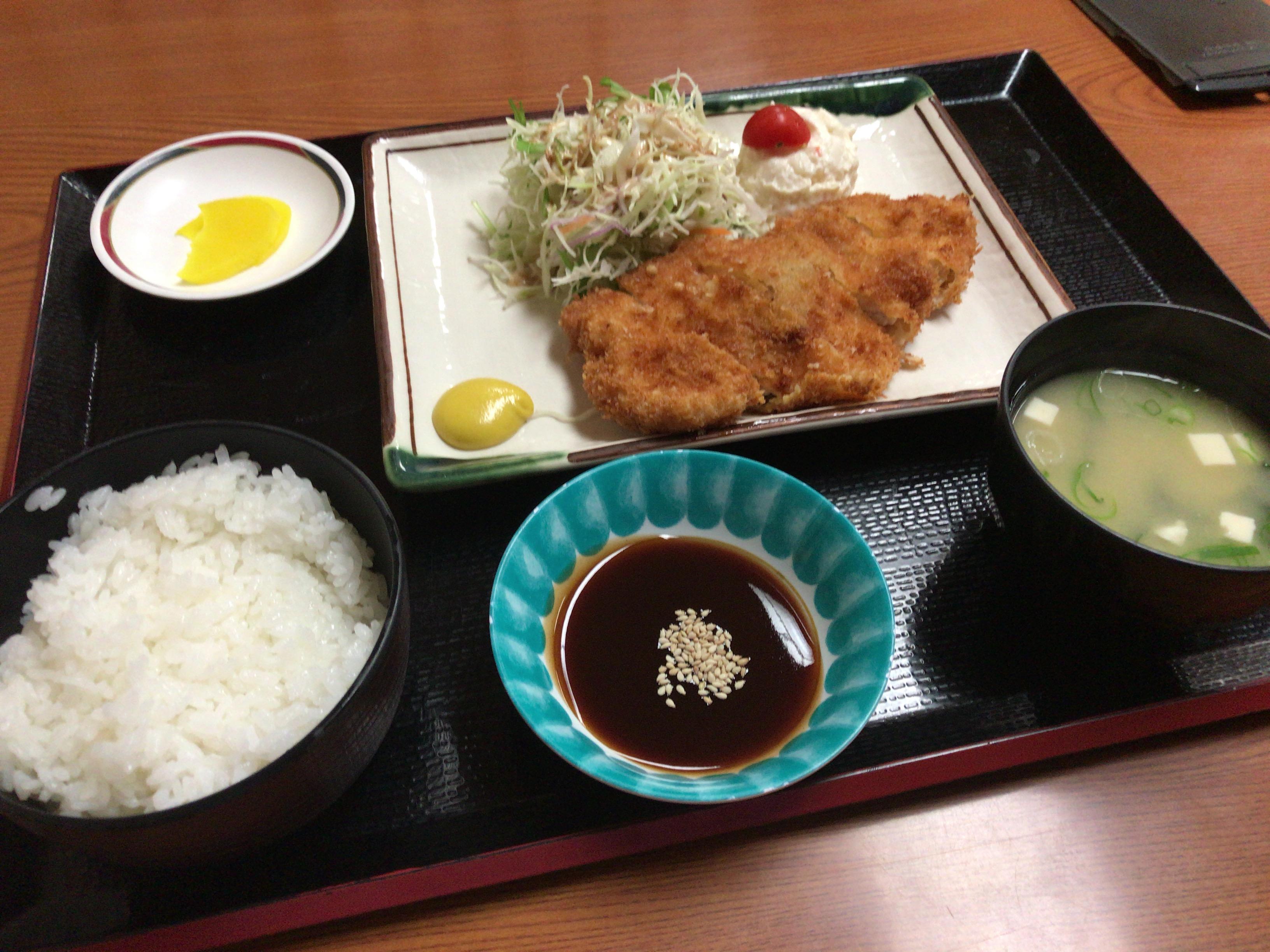 熊本城温泉城の湯のレストランのトンカツ定食