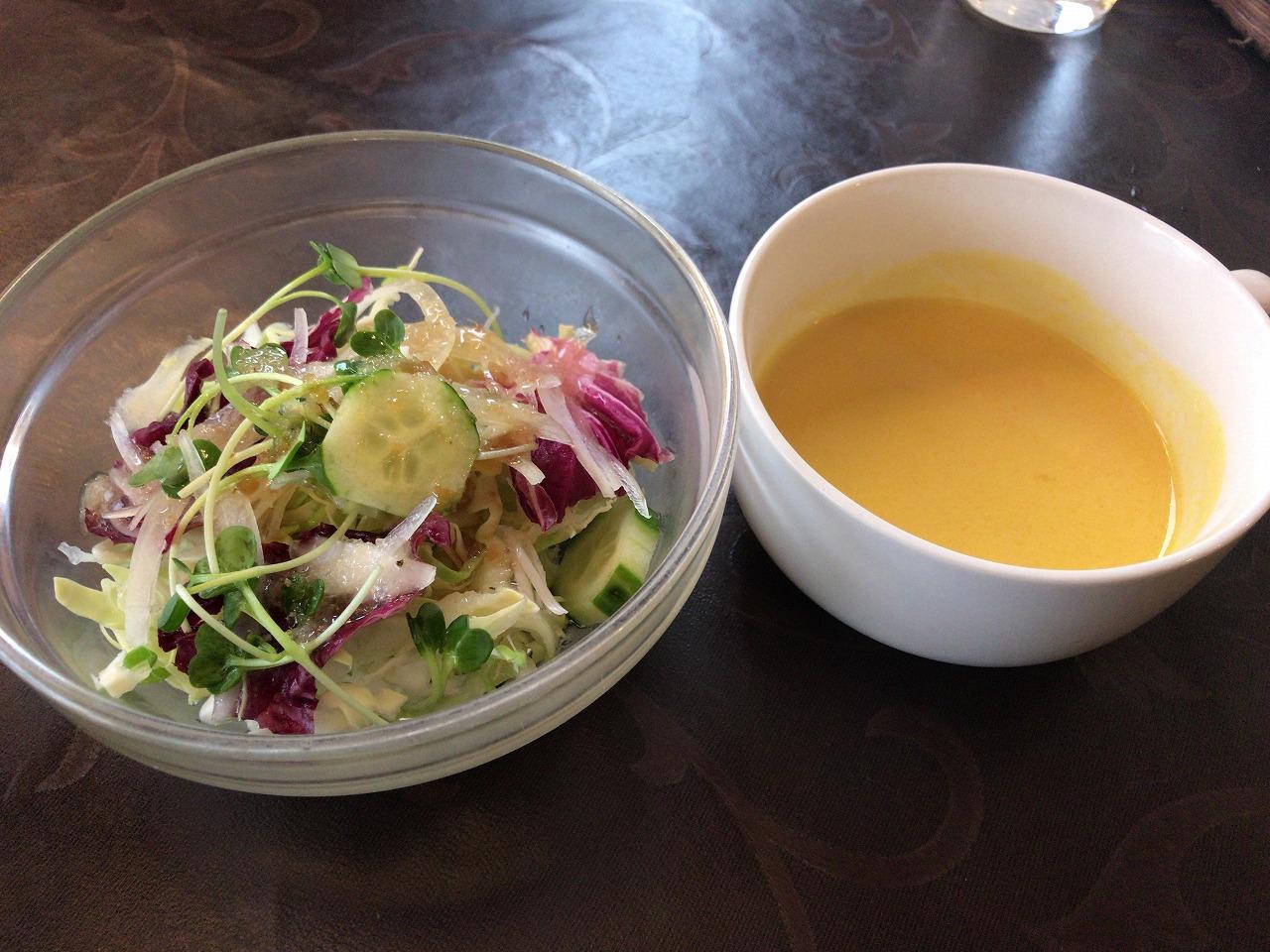 RYUのサラダとカボチャのスープ