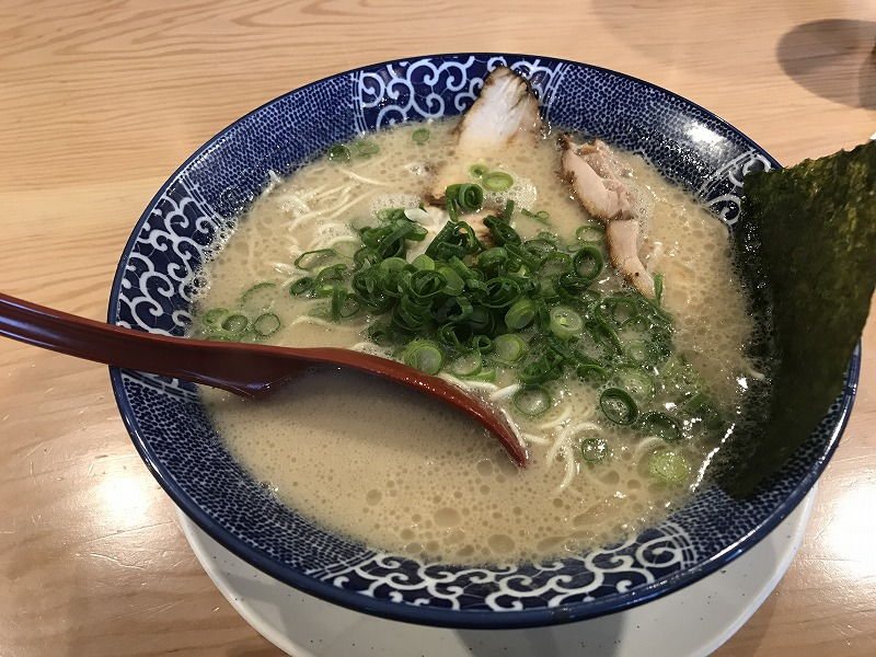 博多ラーメン鶴亀堂(津嘉山店)の博多ラーメン